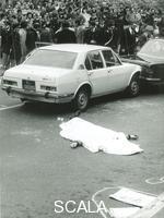 ******** Roma 16 marzo 1978. Strage di Via Fani. Sequestro di Aldo Moro. Poliziotto della scorta di Moro ucciso nell'agguato delle Brigate rosse