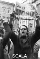 ******** Roma, 9 maggio 1978. Manifestanti per l'uccisone di Aldo Moro