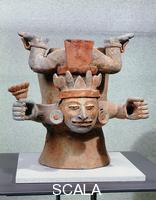 Arte Maya Recipiente con divinita' che stringe tra le mani fiori di mais