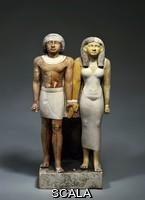 Arte egizia Il sacerdote Tenti e sua moglie. Gruppo scultoreo, V Dinastia (2504 - 2347 a. C.)
